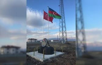Nahçıvan sınırına yapılan Bayrak Anıtı'na Türkiye ve Azerbaycan bayrakları asıldı
