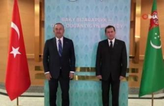Bakan Çavuşoğlu Türkmenistanlı mevkidaşı Meredov ile görüştü