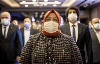 Bakan Zehra Zümrüt Selçuk: Sözüm ona kadın hakları savunucuları yereldeki haksızlık ve tacizlere ses çıkarmıyor