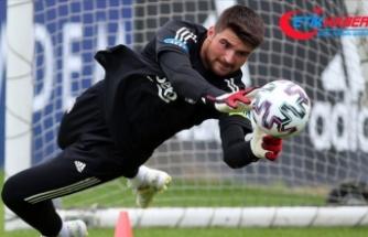 Beşiktaş'ın kalecisi Ersin Destanoğlu gelecek vadeden futbolcular listesine girdi