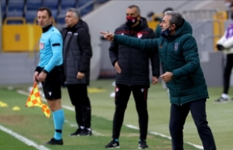 Medipol Başakşehir Teknik Direktörü Aykut Kocaman: Uzun zaman sonra kazanmak bizim için son derece önemliydi
