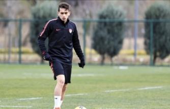 Fenerbahçe'nin genç futbolcusu Ömer Faruk Beyaz, Stuttgart ile anlaştı