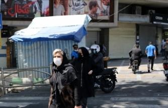 İran'da son 24 saatte 398 kişi Kovid-19'dan hayatını kaybetti
