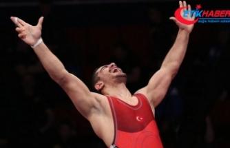 Milli güreşçi Taha Akgül 8. kez Avrupa şampiyonu