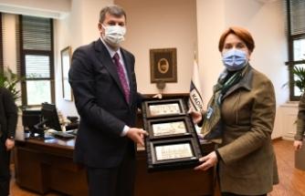 Meral Akşener ve Ekrem İmamoğlu'ndan Kadıköy ziyareti