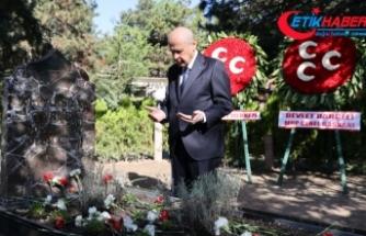 MHP Genel Başkanı Bahçeli, Başbuğ Alparslan Türkeş'in kabrini ziyaret etti