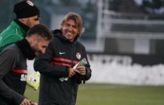 Ricardo Sa Pinto Gaziantep FK'ya veda etti