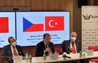 Bakan Muş, Çekya'da özel sektör temsilcileriyle görüştü