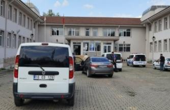 Bursa'da lisede kadın cinayeti...Eşini çalıştığı lisenin içinde bıçaklayarak öldürdü