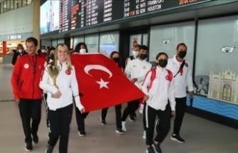 Dünya şampiyonu Özel Sporcular Kadın Para Atletizm Milli Takımı, yurda döndü