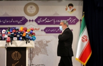 İran'da cumhurbaşkanlığı seçimlerine katılım yüzde 48,8 ile devrimden bu yanaki en düşük seviyede kaldı