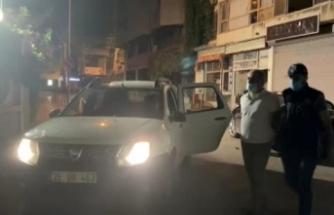 İzmir merkezli FETÖ operasyonunda gözaltı sayısı 98 oldu