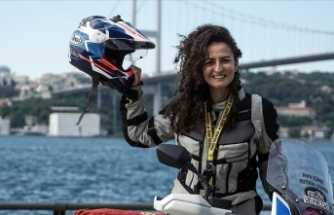 Kadın akademisyen belgeseli için motosikletiyle Afrika'yı keşfe çıkıyor