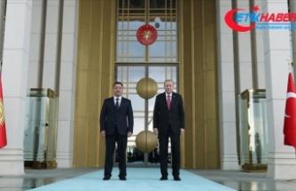Kırgızistan Cumhurbaşkanı Caparov Türkiye'de