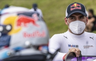 Milli otomobil yarışçısı Ayhancan Güven Avusturya'da iki kez podyuma çıktı