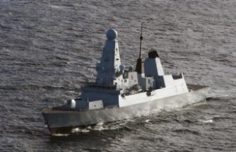 Rusya, Kırım'a yaklaşan İngiliz muhrip gemisine uyarı ateşi açtı