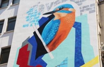 'Turizmin başkenti' Antalya'da duvarlar 'mural art' ile renkleniyor