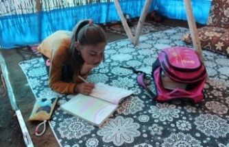 Zorlu yayla hayatı minik Zehra'nın eğitim aşkına engel olmuyor