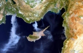 AB uydusu, Türkiye'deki orman yangınlarının dumanlarını Akdeniz üzerinde görüntüledi