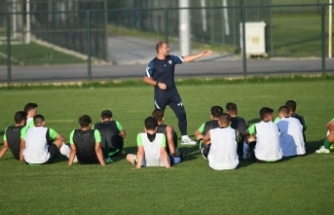 Bursaspor'da üç genç oyuncu takımdan gönderildi