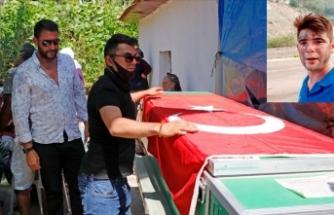 Marmaris'te yangın söndürme ekiplerine su taşırken hayatını kaybeden kahraman gencin ailesi gururlu