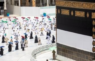 Suudi Arabistan umre sezonunun başladığını duyurdu