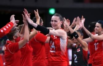 A Milli Kadın Voleybol Takımı 2020 Tokyo Olimpiyat Oyunları'na çeyrek finalde veda etti