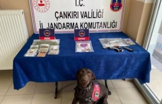 Çankırı merkezli 5 ilde eş zamanlı uyuşturucu operasyonu: 37 gözaltı