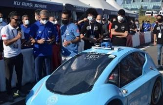 Cumhurbaşkanlığı Savunma Sanayii Başkanı Demir, TEKNOFEST'te yarışlara katılan otonom araçları inceledi