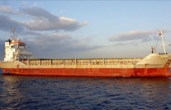 İstanbul Boğazı'nda arızalanan yük gemisi kurtarıldı