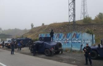 Kosova-Sırbistan sınırında plaka gerginliği sürüyor