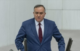 MHP'li Akçay: CHP'li Özel, siyasi ikiyüzlülük görmek istiyorsa Kılıçdaroğlu'na bakmalıdır