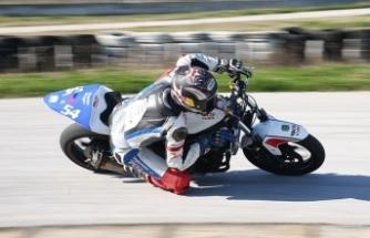 Milli motosikletçi Bahattin Sofuoğlu, İspanya'da 3. oldu