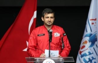 TEKNOFEST Yönetim Kurulu Başkanı Bayraktar: TEKNOFEST yılmadan azimle çalışan milletimizin asil ruhudur