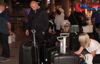 Ülkelerinde 'otel karantinası' kalkan İngiliz turistler yine Muğla'yı tercih etti