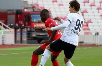 Adana Demirspor 1 puana 90+7'de uzandı