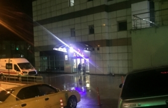 Doktor, hasta yakınlarının saldırısına uğradı