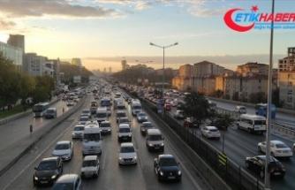 İstanbul'da haftanın ilk iş günü trafik yoğunluğu yaşanıyor