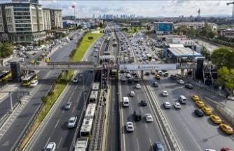 İstanbul'da 29 Ekim provaları nedeniyle bazı yollar trafiğe kapatıldı