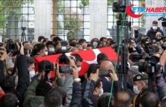 Milli SİHA'ların öncü ismi Özdemir Bayraktar son yolculuğuna uğurlandı