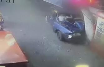 Otomobil kullanırken karısıyla tartışınca ağaca çarptı