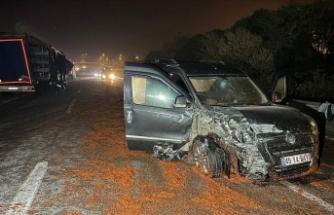 Yola dökülen salçalar nedeniyle kayan 18 araç çarpıştı, bir kişi hayatını kaybetti, 10 kişi yaralandı