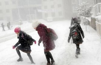 O ilçede eğitime 2 gün kar tatili