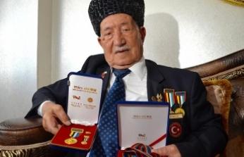 Kore gazileri 68 yıldır şeref madalyalarını gururla taşıyor