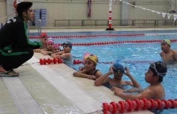 Denizi olmayan kentte şampiyonluk için yüzüyorlar