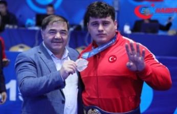 Milli sporcu Rıza Kayaalp: Hedefim şampiyonayı İstiklal Marşı'mızla kapatmaktı