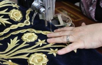 İlmek ilmek iki yılda işlenen bindallılar 'altın' değerinde