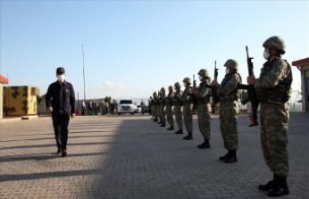 Milli Savunma Bakanı Akar ve kuvvet komutanları Suriye sınırında