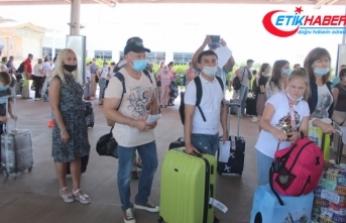 Antalya'ya Rus turist akını