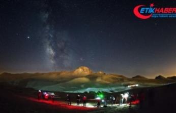 Gökyüzü meraklıları yıldızları fotoğraflamak için Erciyes'te buluşuyor